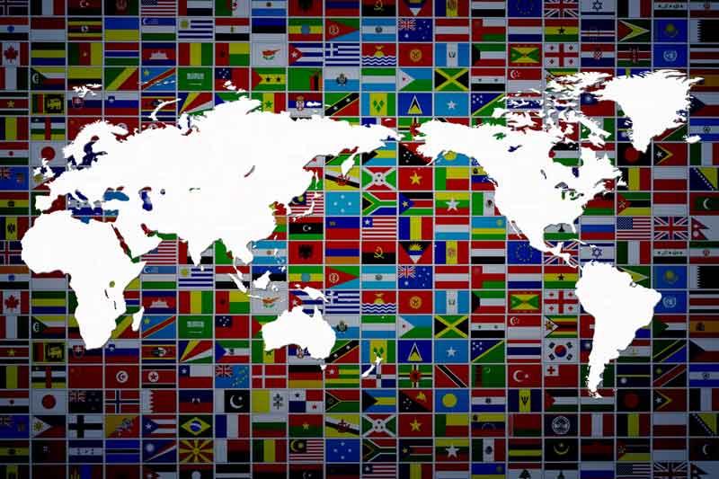世界国旗と世界地図